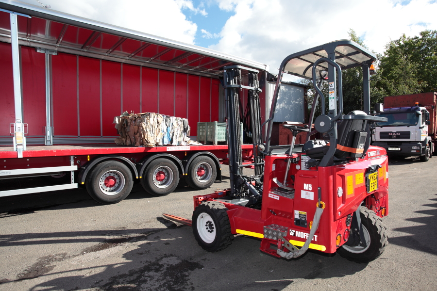 Forklift-Loading